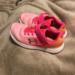 Girls under Armour pink tennis shoes size 12